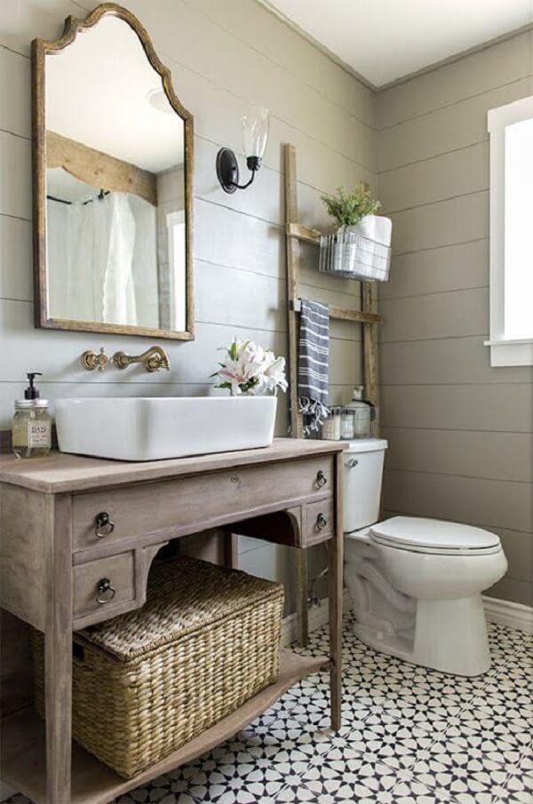 Kim loại ảnh hưởng đến phong thuỷ nhà vệ sinh theo tuổi
